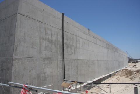 http://www.wastewaterpr.com/assets/images/photos/Xypex_concrete_waterproofing.jpg